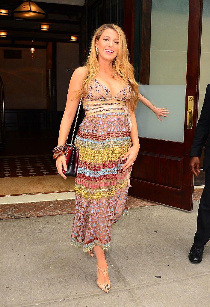 9149ec656756 Blake Lively incinta  i 21 look più belli in maternità