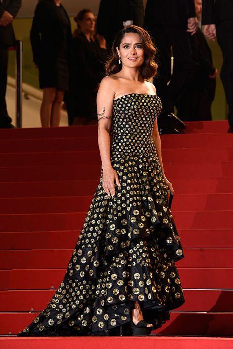 salma hayek: i look e lo stile dell'attrice curvy