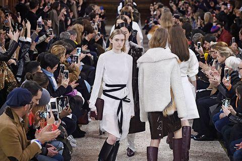 Calendario Sfilate Parigi Settembre 2020.Milano Fashion Week Calendario Sfilate Eventi Di