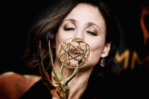 I vincitori e vinti alla notte degli Emmy Awards, celebrata a Los Angeles, rivelano come siamo noi che guardiamo tutte quelle serie in televisione.