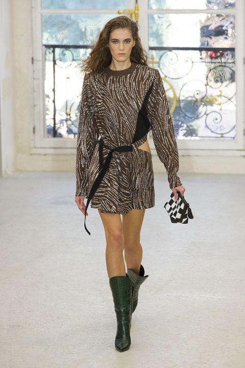<p><strong>Louis Vuitton</strong></p>