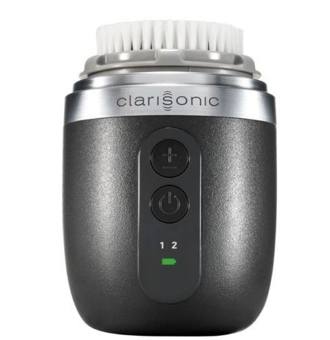 "<p>Deterge a fondo Alpha Fit, <strong data-redactor-tag=""strong"">Clarisonic</strong> (€ 220).<br></p>"