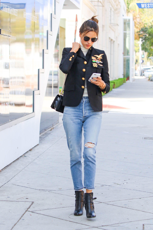 <p><strong>La lezione</strong>: prendi una giacca che può essere abbinata ai jeans e ai <strong>pantaloni sartoriali</strong>. </p>