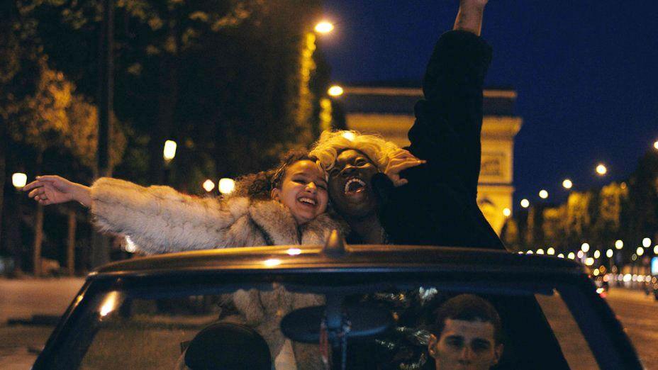 <p>In questo <strong>film drammatico</strong>, due giovani amiche iniziano la vita di strada fino a realizzare quanti rischi essa possa comportare. Il film ha ricevuto il premio Caméra d'Or al <strong>Festival di Cannes 2016</strong>.</p><p><strong>Disponibile dal</strong><strong> 18/11/16</strong></p>