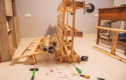 Mobili Con Pallet Tutorial : Come costruire un divano con i bancali