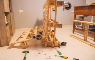 Come costruire un divano con i bancali - Costruire un divano in legno ...