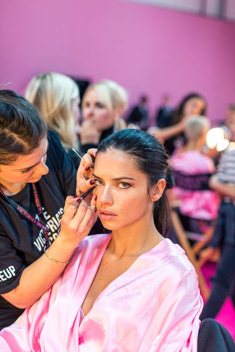 Hair, Head, Hairstyle, Eyelash, Pink, Beauty salon, Fashion, Magenta, Makeup artist, Hair coloring,