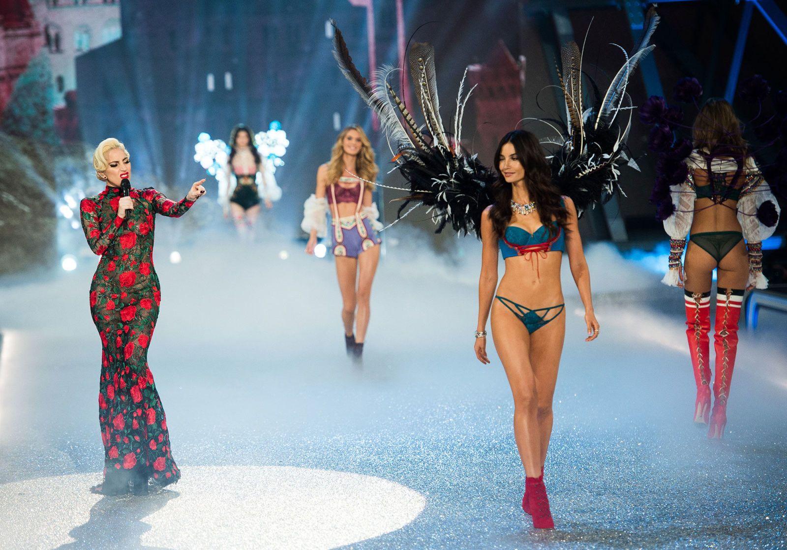 Il fashion show 2019 di Victoria's Secret è stato cancellato, e (forse) abbiamo capito anche perché