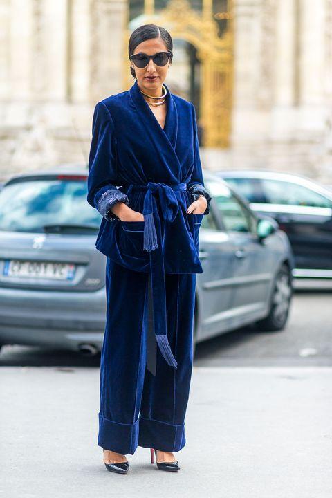 """<p><a href=""""http://www.elle.com/it/moda/scarpe/g1580/stivali-velluto-autunno-inverno-2016/"""">Sia che si trattidi stivaletti</a>, sia diun vestito, ilvelluto è stato indossato da chiunque e in qualsiasi modo. Impossibile passare inosservati con i capi di questo tessuto.</p>"""