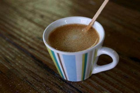 """<p>Caffè, tè e cioccolata sono bevande dal pH inferiore a 7<span class=""""redactor-invisible-space"""" data-verified=""""redactor"""" data-redactor-tag=""""span"""" data-redactor-class=""""redactor-invisible-space"""">.</span></p>"""