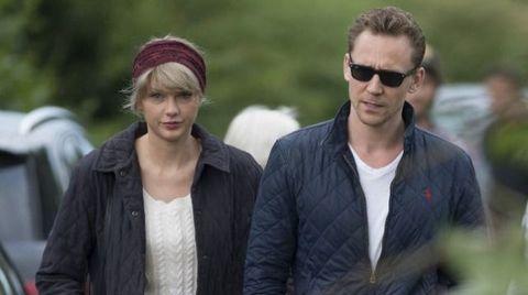 """<p>L'ultimo della lista è l'attore <strong data-redactor-tag=""""strong"""" data-verified=""""redactor"""">Tom Hiddleston</strong>, <a href=""""http://www.elle.com/it/magazine/personaggi/news/a1724/coppie-famose-taylor-swift-tom-hiddleston-rottura/"""" target=""""_blank"""">con cui Taylor ha rotto da poco</a>, ma prima di lui la cantante di 1989 aveva collezionato solo fusti belli, ricchi,famosi e privi di turbe psichiche, dal dj <strong data-redactor-tag=""""strong"""" data-verified=""""redactor"""">Calvin Harris</strong> al cantautore <strong data-redactor-tag=""""strong"""" data-verified=""""redactor"""">John Mayer</strong>. Nessun impresentabile, insomma, categoria in cui tutte noi siamo, prima o poi, inciampate. Ma non lei, che usa in modo sopraffino il fiuto """"schiva-stronzi"""" in dotazione assieme a quelnasino all'insù.</p>"""