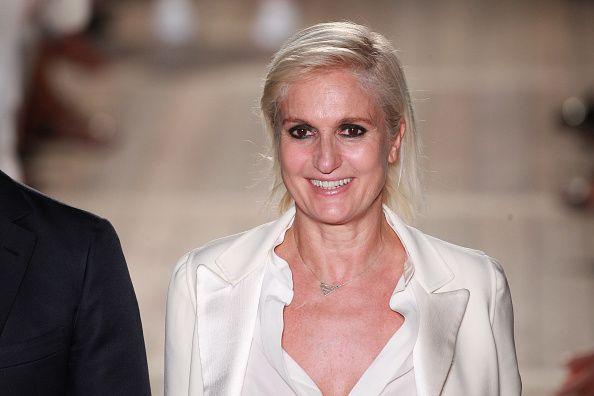 """<p>Unica italiana tra le donne dell'anno secondo la classifica stilata dal Financial Times,&nbsp&#x3B;la stilista <strong data-redactor-tag=""""strong"""" data-verified=""""redactor"""">Maria Grazia Chiuri</strong>, è&nbsp&#x3B;<a href=""""http://www.gioia.it/moda/abbigliamento/news/a1035/maria-grazia-chiuri-verso-direzione-creativa-dior/"""" target=""""_blank"""" data-tracking-id=""""recirc-text-link"""">la prima donna a guidare lo stile di&nbsp&#x3B;Dior</a>. Intervistata dal quotidiano londinese, Chiuri spiega così la sua filosofia: «<span class=""""redactor-invisible-space"""" data-verified=""""redactor"""" data-redactor-tag=""""span"""" data-redactor-class=""""redactor-invisible-space""""></span>la femminilità è mutevole, non si deve restare costretti in un unico modo di essere. La moda è dialogo con le altre donne»<span class=""""redactor-invisible-space"""" data-verified=""""redactor"""" data-redactor-tag=""""span"""" data-redactor-class=""""redactor-invisible-space"""">.</span></p>"""