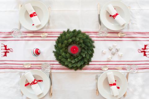 Metodi Per Piegare Tovaglioli.Come Piegare I Tovaglioli 3 Idee Semplici Per La Tavola Di Natale