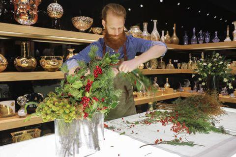 Super Composizioni floreali invernali con arbusti, fiori e bacche EL62