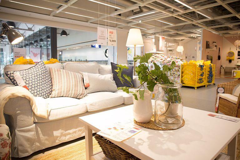 Ikea perch i suoi mobili hanno nomi cos strani for Nomi di mobili