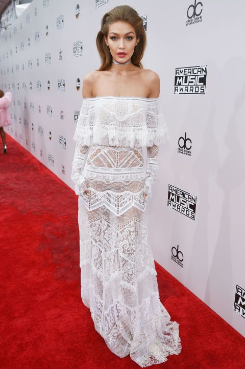 "<p>In <strong data-redactor-tag=""strong"" data-verified=""redactor"">Roberto Cavalli</strong> agli American Music Awards 2016.</p>"