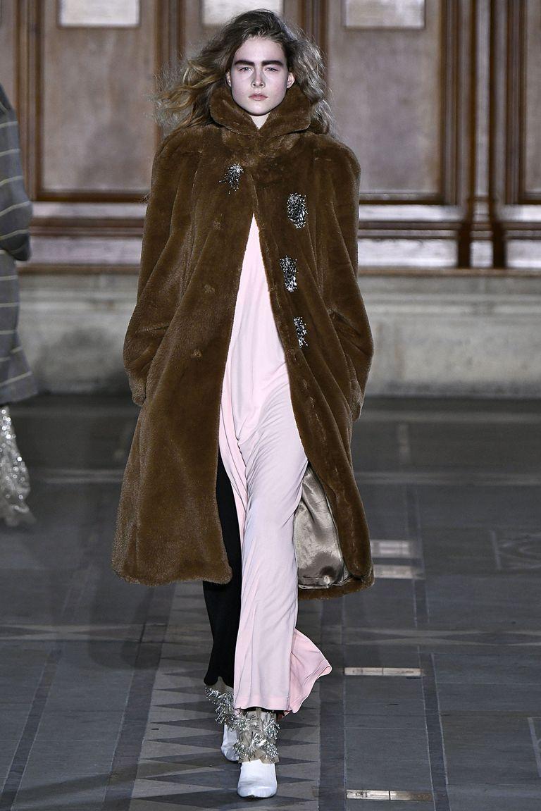 Le pellicce sempre di tendenza per la moda autunno inverno 058a9d642d8e