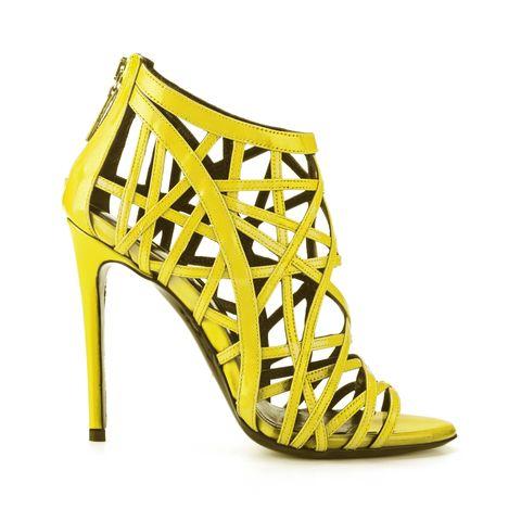Festa della donna 2017: look giallo mimosa con sandalo Grace di Simone Castelletti