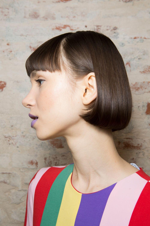 Pettinature capelli corti con ciuffo