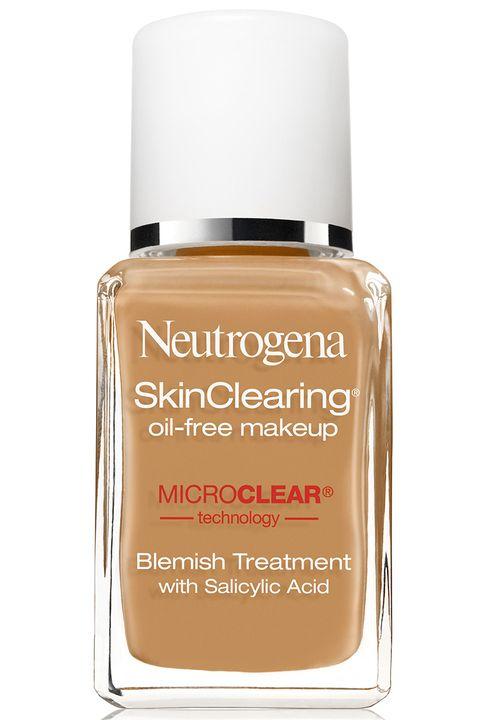 """<p>Un prodotto che è make up e trattamento per l'acne&nbsp;insieme. La sua texture senza olio contiene acido salicilico combatte i brufoletti e ne previene la ricomparsa.</p><p><strong data-redactor-tag=""""strong"""">Neutrogena</strong> Skin Clearing Oil-Free Makeup, Neutrogena.com<a href=""""http://www.neutrogena.com/product/skinclearing+liquid+makeup.do""""></a></p>"""