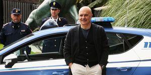 Luca Zingaretti veste i panni del Commissario Montalbano in tv