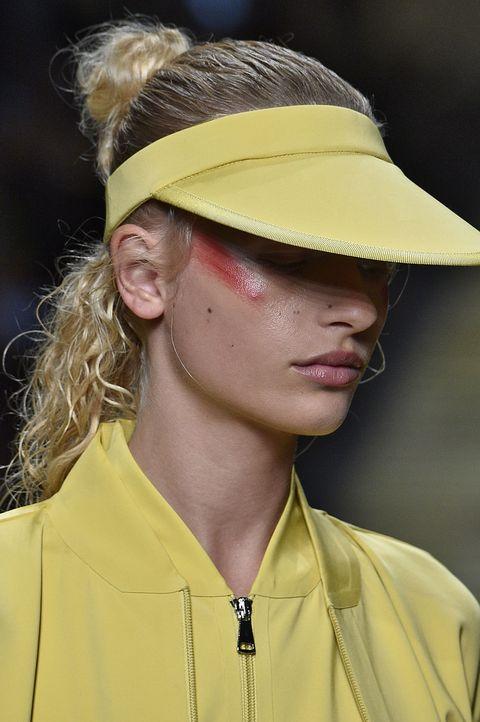 moda estate 2017 accessorio cool cappello visiera tennis