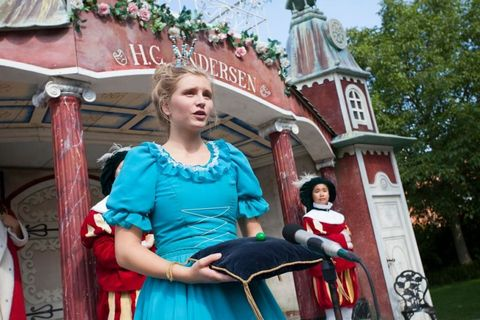 Temple, Jewellery, Makeover, Park, Walt disney world, Tradition, Day dress, One-piece garment, Gown, Vintage clothing,