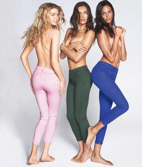 Jeans non solo pantaloni classici con i nuovi modelli colorati di Replay