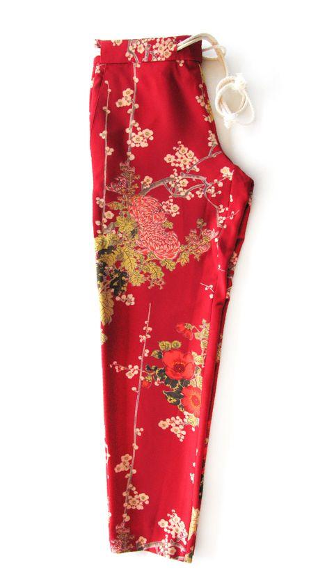 Idee moda 2018 per mamme come i pantaloni sportivi a fiori di Pt Pantaloni