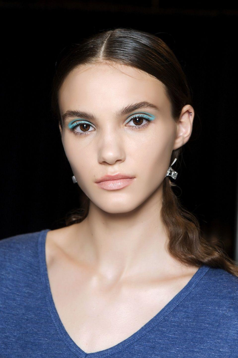 Eyeliner colorati, come si mettono