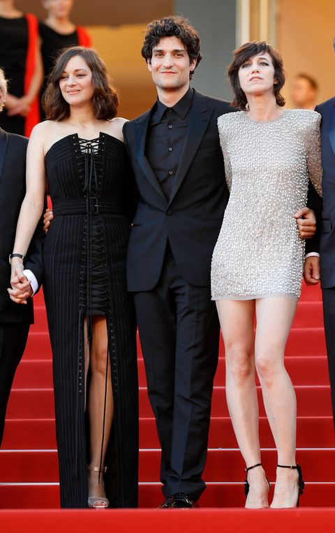 <p>Marion Cotillard in Jean Paul Gaultier Couture, Louis Garrel e&nbsp&#x3B;Charlotte Gainsbourg in Saint Laurent</p>