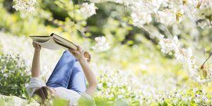 Ecco 10 libri di psicologia da leggere durante l'estate