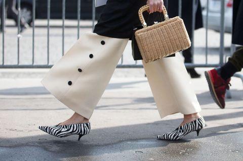 scarpe scollo a v di tendenza