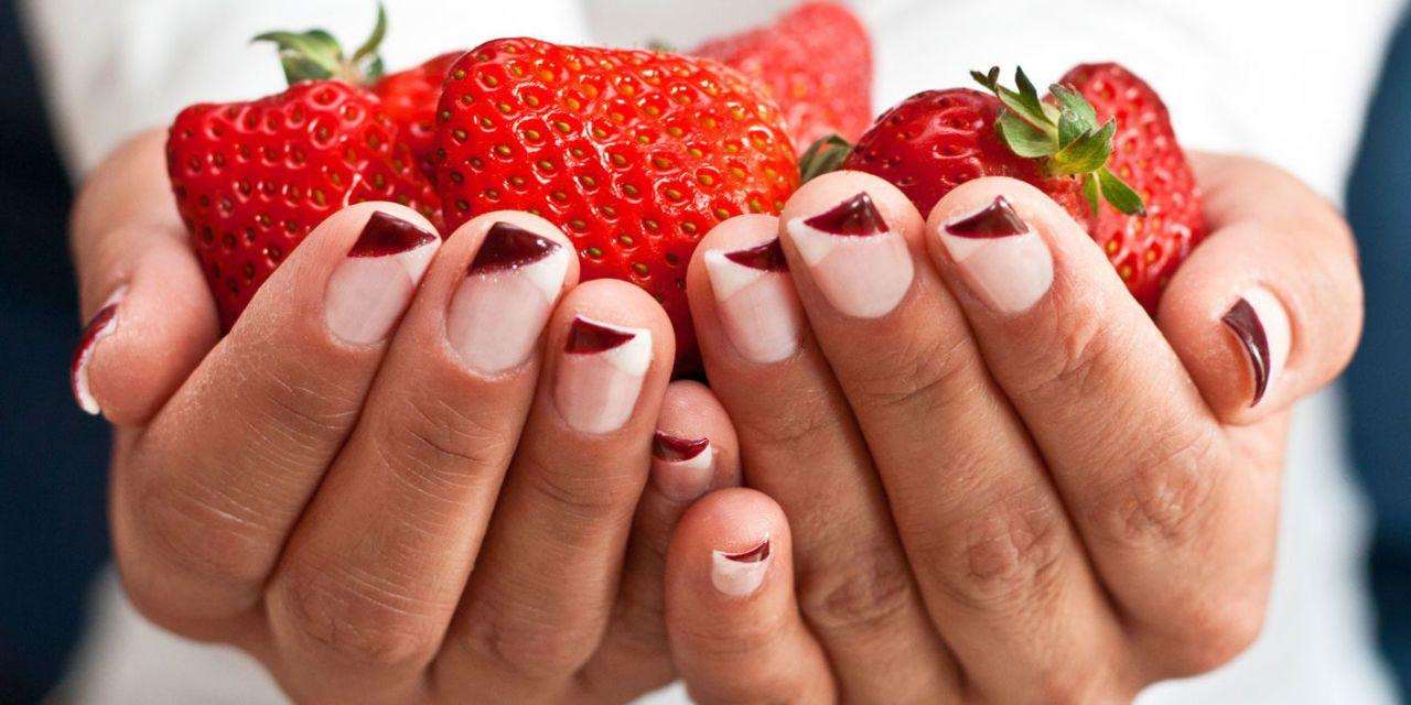 L\u0027estate è la stagione più adatta per sfoggiare unghie decorate divertenti.  L\u0027abbronzatura, il clima vacanziero e le vibrazioni positive che si sentono