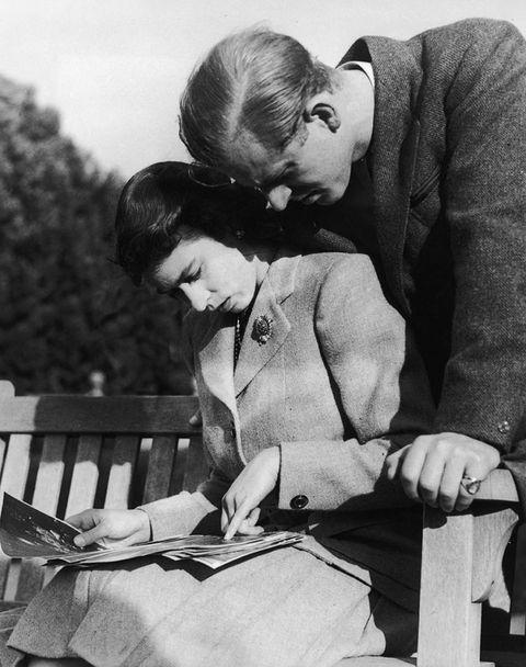 Principe Filippo e Regina Elisabetta: le foto più tenere