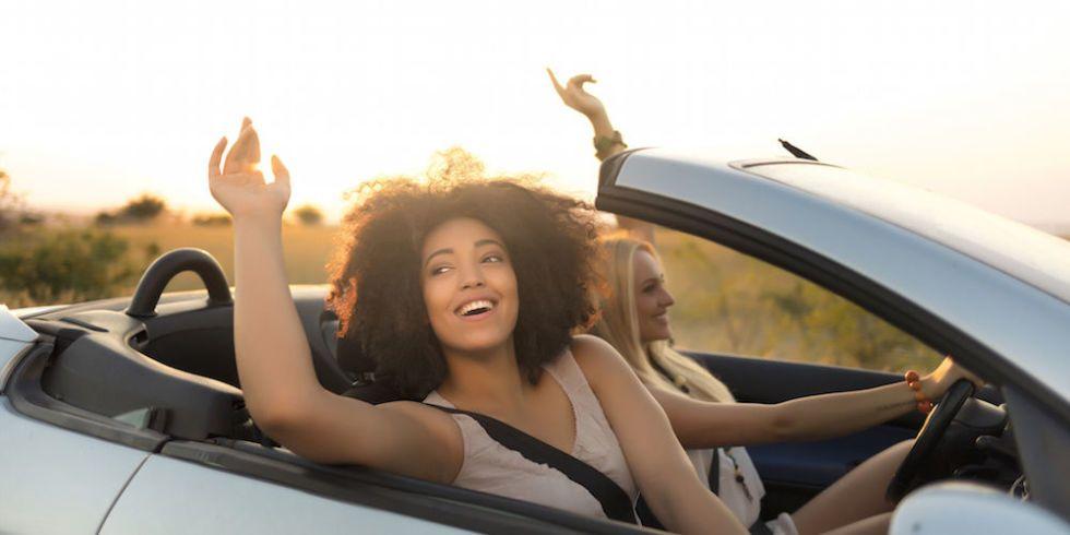 Pronta per un road trip non dimenticare di fare queste 11 - Lista cose da portare in viaggio ...
