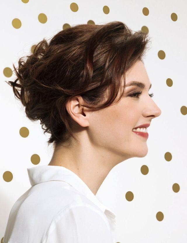 Taglio di capelli ricci alla francese – Acconciature popolari 2018 eb83c964cc0a