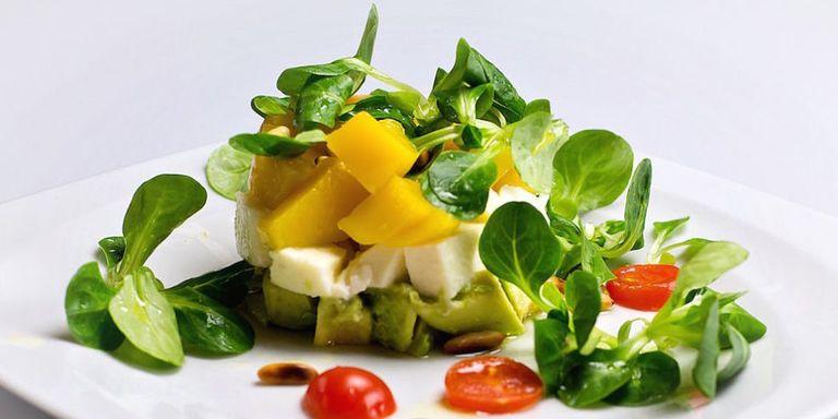 10 ricette di insalate sfiziose e sane per variare il tuo for Insalate ricette