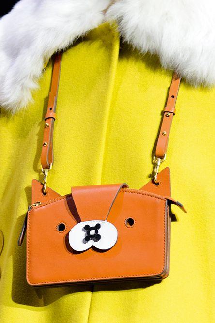 moda-autunno-inverno-2018-trend-animali-Anya-Hindmarch