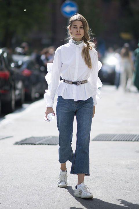Come rinnovare la camicia bianca: 5 accessori svolta look