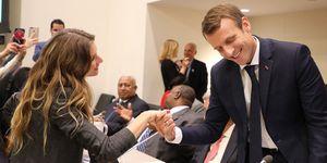 Con una stretta di mano al summit sull'ambiente dell'Onu, Gisele Bündchen ha mandato un messaggio al marito Tom Brady: tu stai al tuo posto, ché al tavolo dei grandi mi siedo io.