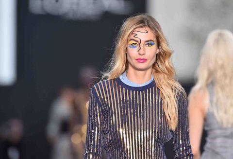Sfilate primavera estate 2018: il primo défilé L'Oréal sugli Champs-Élysées