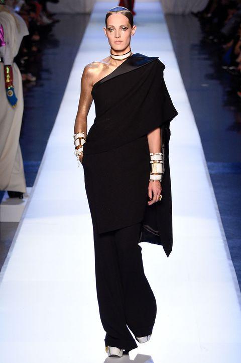 e1f94171b3f1 Valentino Haute Couture 2018. 11. abiti eleganti haute couture Jean Paul  Gaultier