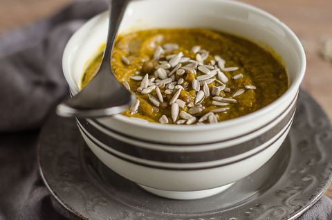 Zuppa speziata di zucca e lenticchie
