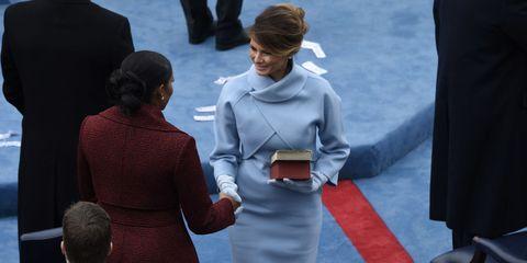 Melania Trump spende meno di Michelle Obama