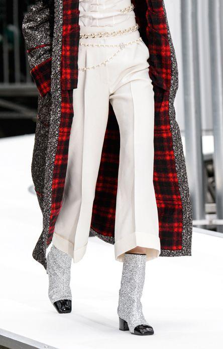 pantaloni-culotte-cropped-pants-moda-inverno-2018-Chanel
