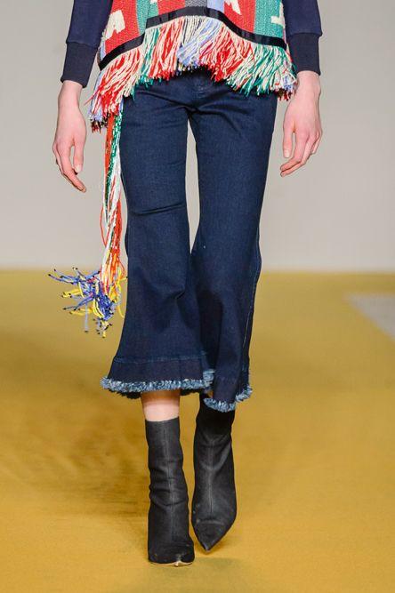 pantaloni-culotte-cropped-pants-moda-inverno-2018-Angel-Chen