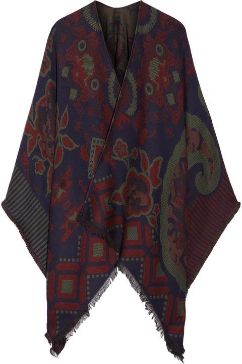 come vestirsi eleganti quando fa freddo con il poncho di etro