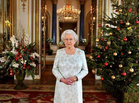 le case in cui vive la regina elisabetta i suoi 6
