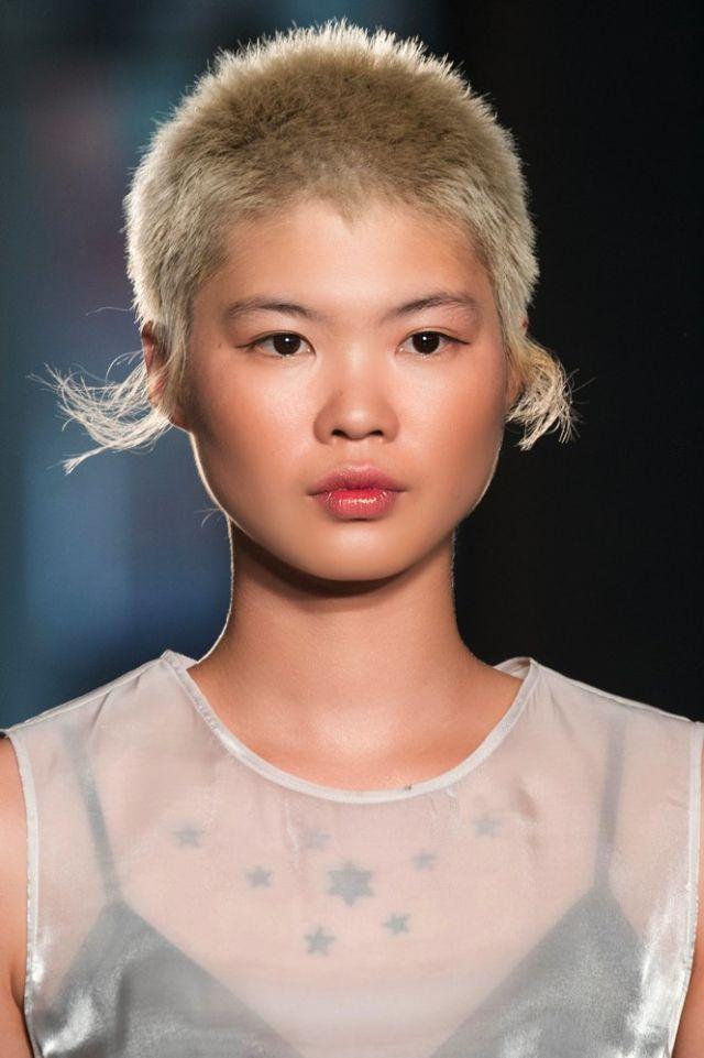 Taglio capelli corti grigi 2018